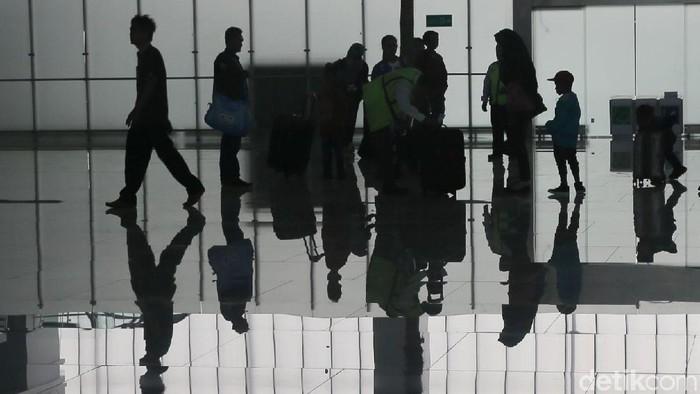 Terminal baru Bandara Internasional Ahmad Yani Semarang telah diresmikan. Desain terminal itu secara keseluruhan mengadopsi konsep eco-airport.