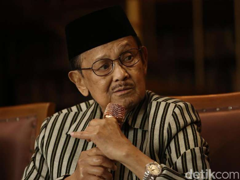 Tangis BJ Habibie Tonton Film Berisi Kisah Poligami