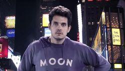 Terlihat Lusuh, Gaya John Mayer Ini Ternyata Bernilai Jutaan Rupiah