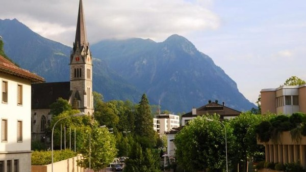 Kemudian ada Lichtenstein yang merupakan negara terkencil di dunia. Terletak di perbatasan Austria dan Jerman, Lichtenstein juga tidak memiliki bandara (Thinkstock)