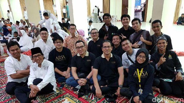 Foto bersama alumni SMA Unggulan CT Arsa Foundation di Medan