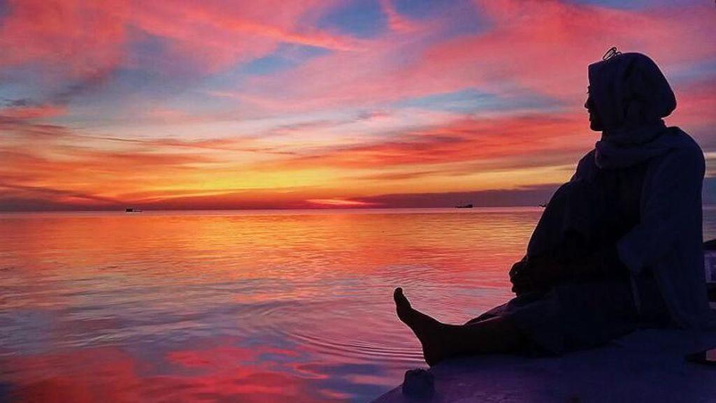 Senja yang Menawan di Pulau Rajuni