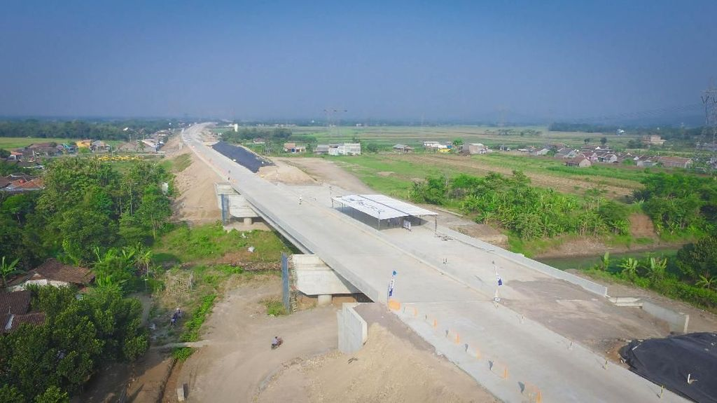 Masuk Tol Batang-Semarang, Kecepatan Maksimal 40 Km/Jam
