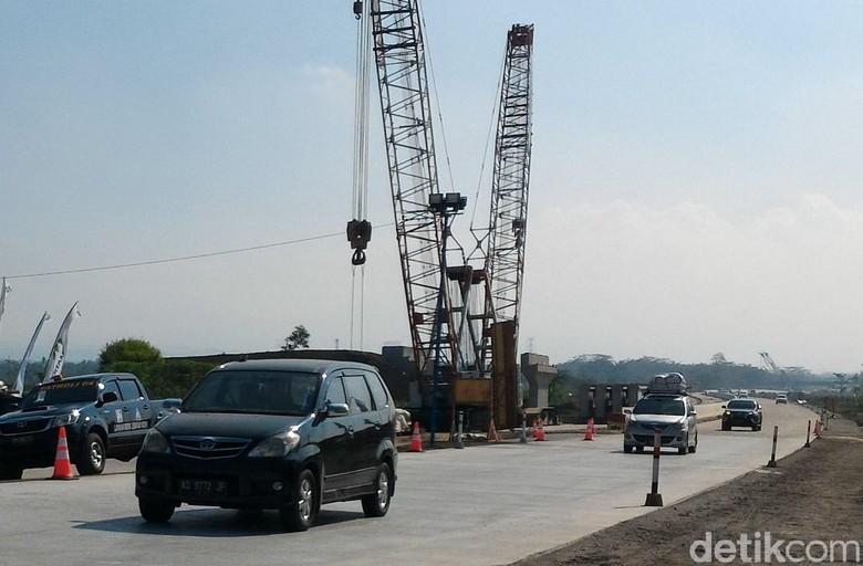Jalur mudik di siang hari. Foto: Ragil Ajiyanto/detikcom