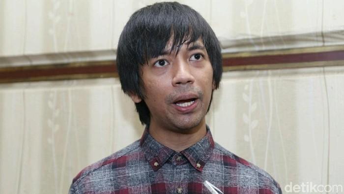 Istri Hamil, Rian Dmasiv Ngidam Nasi Padang