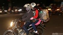 Pemudik Sepeda Motor Mulai Melintasi Kalimalang
