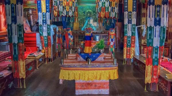 Terpencil bukan berarti tidak ada kehidupan. Spiti dikenal juga dengan Little Tibet. Di sini terdapat gletser terpanjang nomor dua di dunia yaitu Gletser Bara Sigri. Juga terdapat Biara Tabo, salah satu pusat ajaran Buddha tertua di Himalaya. (Sandipan Dutta/BBC Travel)