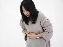 Diet Kepiting dan Kesemek, Ada Daging Besar Menyumbat Perut Wanita Ini