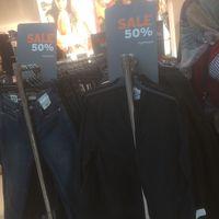 Kemeja Hingga Jaket Denim Diskon di Topshop Sampai 50%