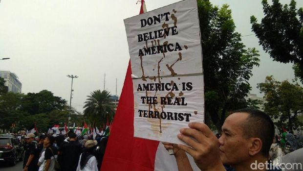 Tuntut Kemerdekaan Palestina, Massa Demo Depan Kedubes AS