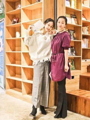 Seperti Kakak Adik, Foto Viral Ibu Anak Sama-sama Cantik Dipuji Netizen