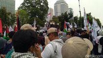 Tuntut Kemerdekaan Palestina, Massa Demo di Depan Kedubes AS