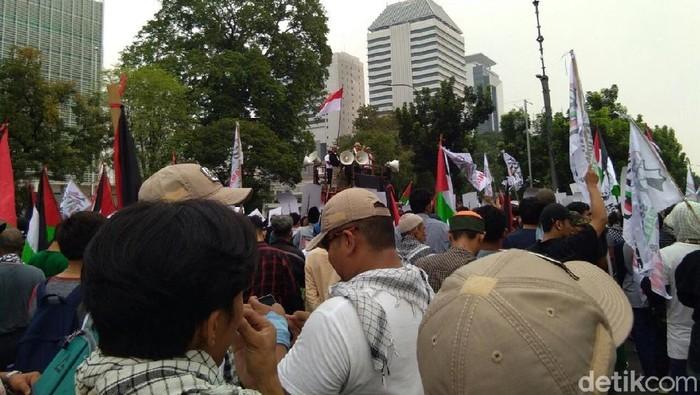 Demo di depan Kedubes AS (Yuni Ayu/detikcom)