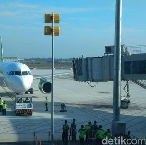 Jokowi JK Bangun 10 Bandara Baru