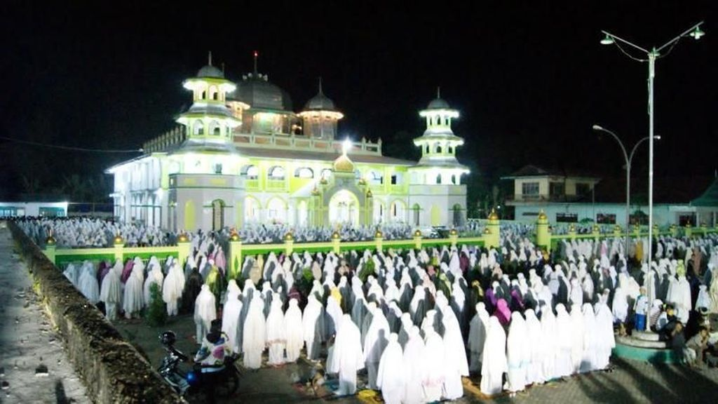 Masjid Darussalam dan Tradisi Malam Ramadan