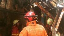 Gara-gara Puntung Rokok, 3 Rumah Petak di Johar Baru Terbakar