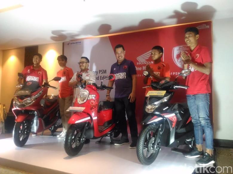 Honda Makassar Bikin Motor Berbaju PSM. Foto: Ibnu Munsir