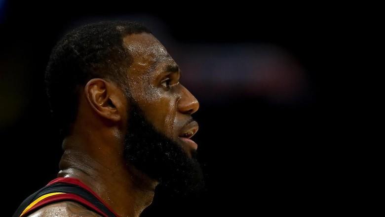 LeBron ke Lakers, Ibrahimovic Sampai Adam Levine Antusias Menyambut