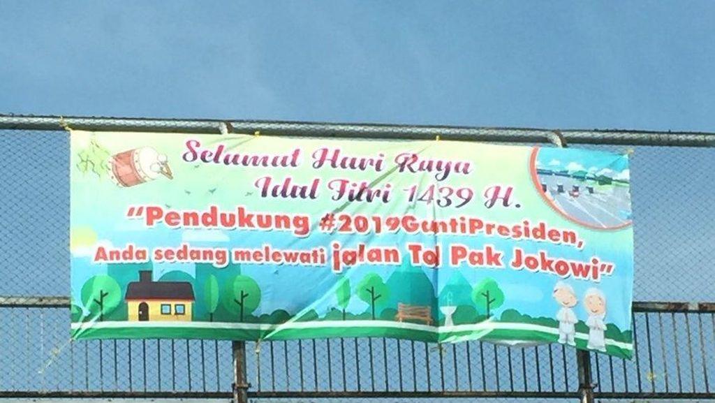 Ramai Spanduk Jalan Tol Pak Jokowi, PKS: Itu Tolnya Rakyat!
