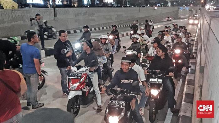 Patroli sahur on the road.