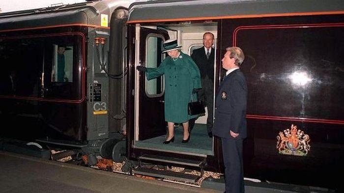 Pada 14 Juni nanti, Meghan akan berkendara menggunakan Royal Train bersama Ratu Elizabeth ke Cheshire, sekitar 165 mil di barat London. Foto: CNBC.