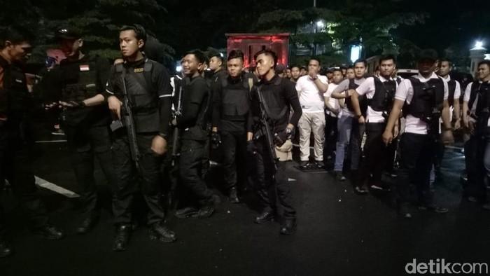 Polres Jaksel menggelar patroli guna mengantisipasi tawuran antarpeserta SOTR. (M Fida/detikcom)