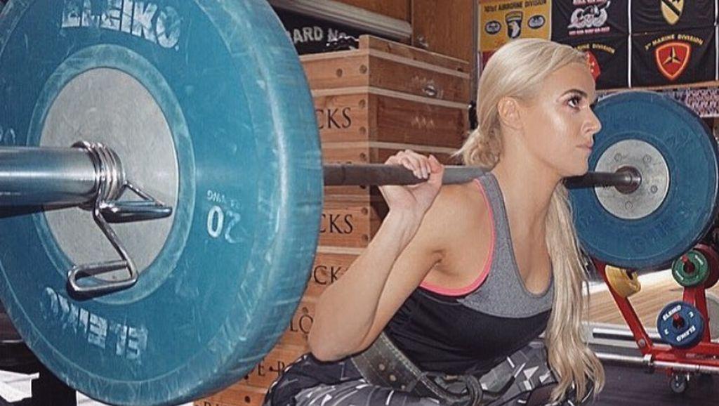 Foto: Kuat Banget! Mengintip Lana, Pegulat WWE yang Doyan Angkat Berat