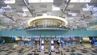 Didapuk sebagai bandara terbaik di dunia. Bandara Changi di Singapura hanya berhasil masuk peringkat kedelapan untuk urusan konektivitas (CNBC)
