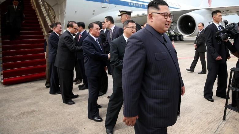 Tamu Hotel di Singapura Dilarang Ambil Foto Kim Jong Un!