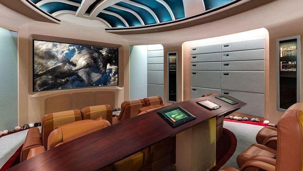 Menyerupai Pesawat Star Trek, Rumah Ini Dihargai Rp 490 Miliar