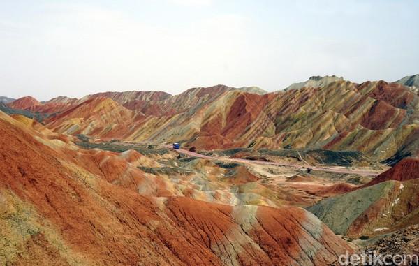Zhangye Danxia Scenic Spot ini ditetapkan oleh UNESCO sebagai World Heritage pada tahun 2010.