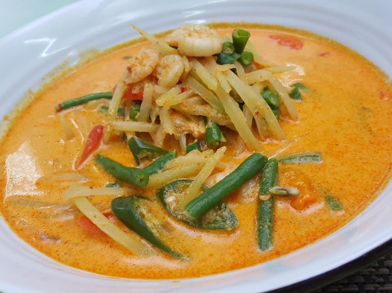 Menu Ke-30 : Sayur Gurih Rebung dan Sayur Gurih Pepaya Siap Jadi Pelengkap Makan Ketupat