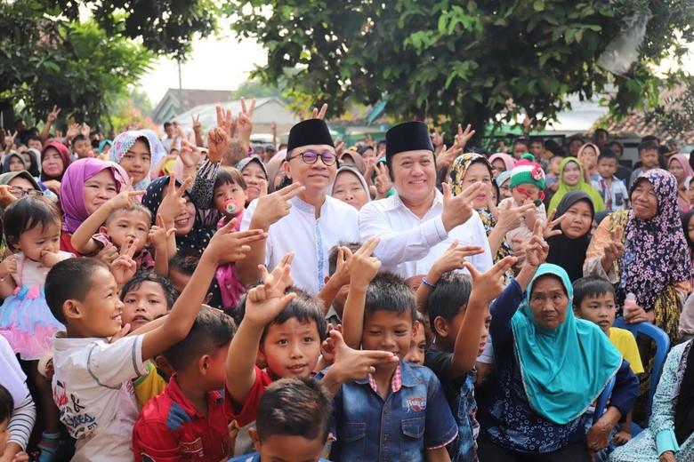 Bagi-bagi THR, Ketua MPR Mohon Doa Dijauhkan dari Korupsi