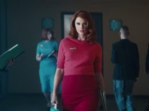 Penampilan Taylor Swift Jadi Pelakor di Klip Sugarland