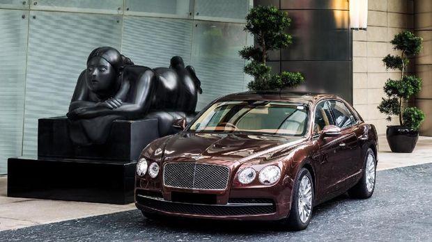 Layanan antar jemput hotel bandara dengan Bentley (St Regis Singapore)