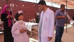 Razan al-Najjar, paramedis Palestina yang tertembak mati tentara Israel menjadi motivasi gadis ini yang menjadi perawat cilik dan ingin membantu para korban.