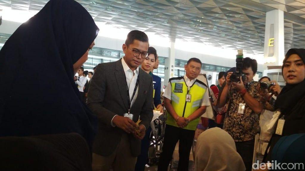 Pantau Layanan Mudik, Bos Garuda Blusukan ke Terminal 3 Soetta