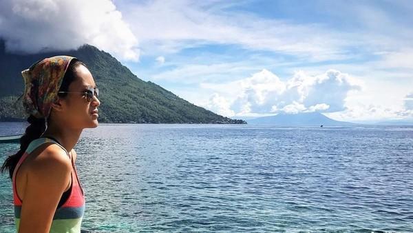 Nah kalau ini saat Prisia ke Maluku Utara, menikmati pagi di Pulau Hiri (prisia/Instagram)