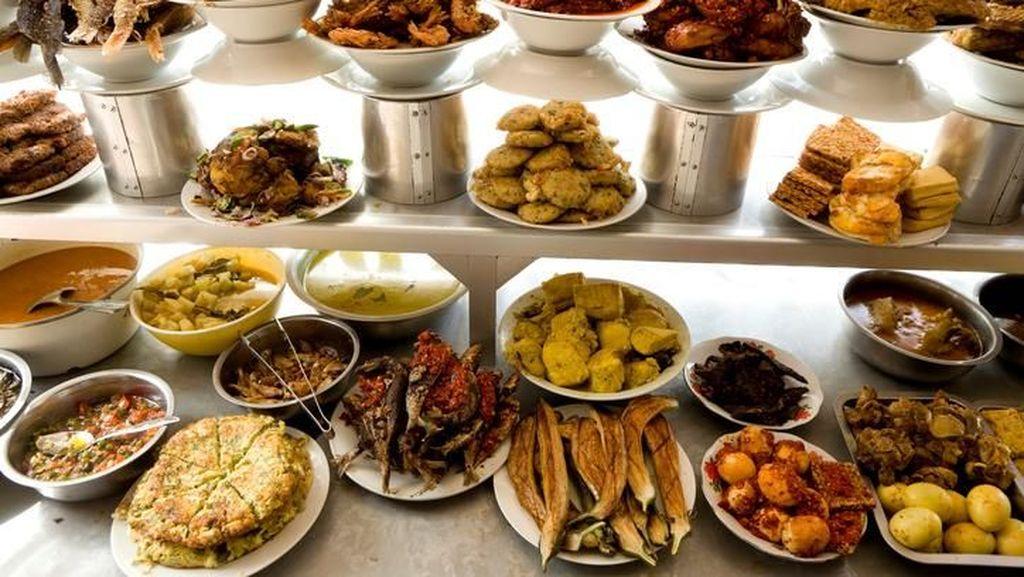 Agar Tak Digetok Harga Saat Makan di Warung Pinggir Jalan, Ini 5 Tipsnya!