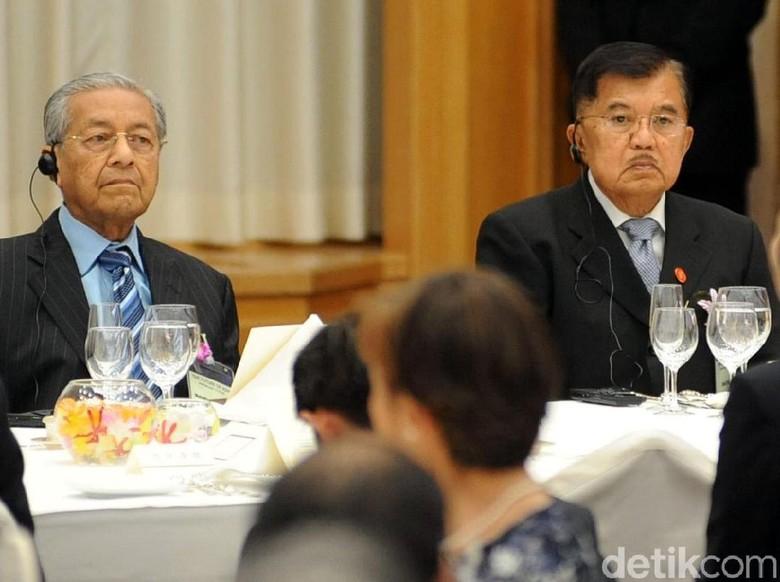 Saat JK Duduk Satu Meja dengan PM Abe dan Mahathir
