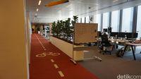 Ada jalur sepeda di dalam kantornya (Afif Farhan/detikTravel)