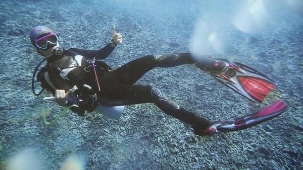 Prisia sempat diving di perairan sekitar Ternate (prisia/Instagram)