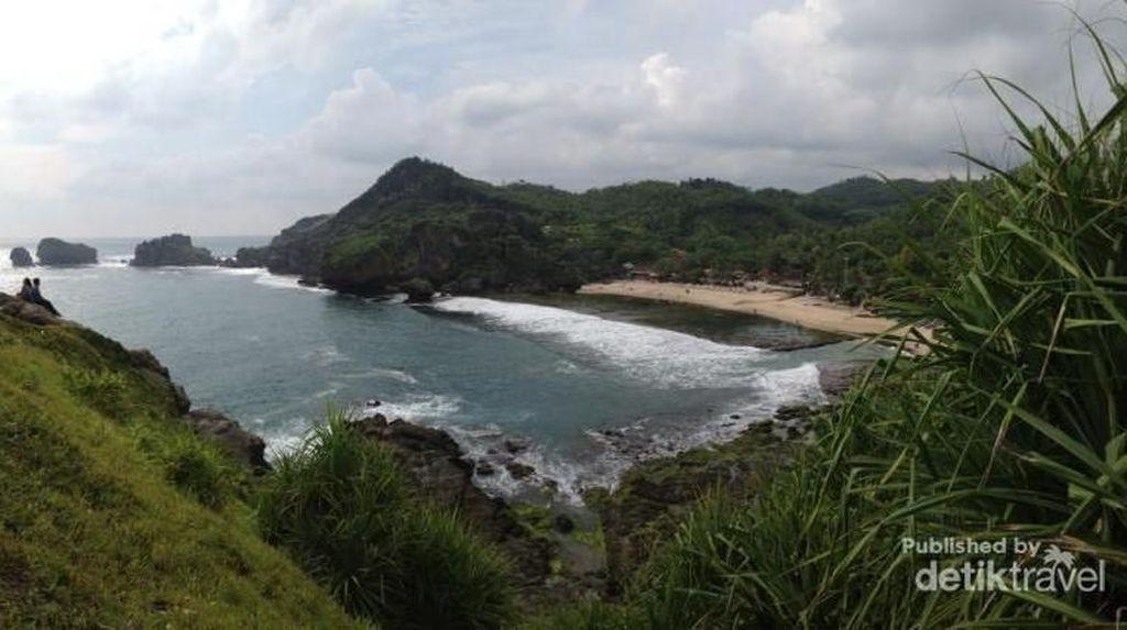 Hai Wisatawan, Hati-hati di Pantai Selatan Jawa Ya