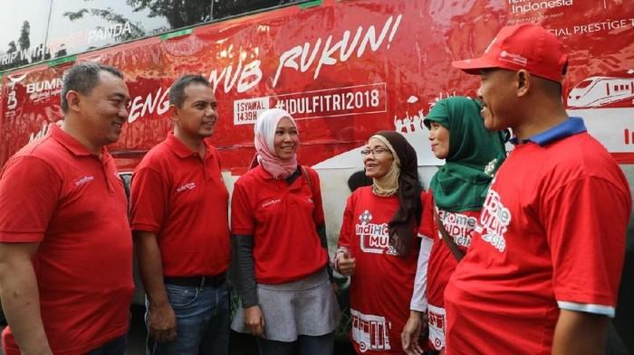 Foto: Telkom Pulangkan Ribuan Mitra ke Kampung Halaman