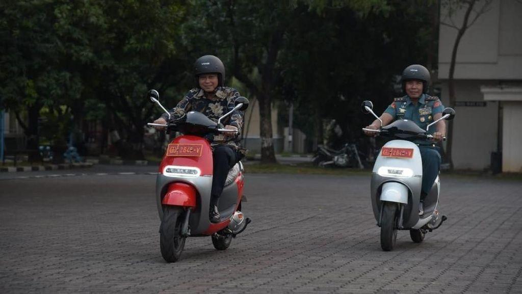 Modal Rp 50 Ribu Bisa Keliling Jakarta Naik Motor Listrik