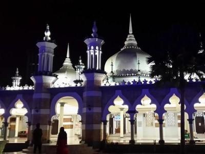 Masjid Tertua di Kuala Lumpur yang Mirip Masjid Nabawi