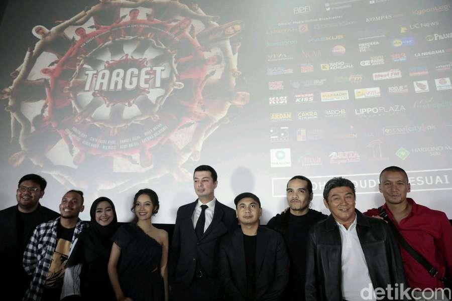 Cerita Raditya Dika di Film Target