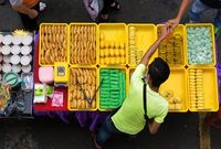 Agar Tak 'Digetok' Harga Saat Makan di Warung Pinggir Jalan, Ini 5 Tipsnya!