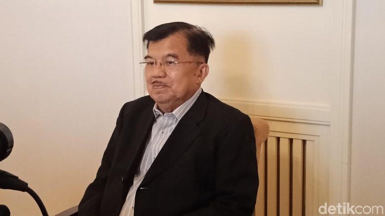 Tanpa Mobil RI-2, JK Halalbihalal ke Rumah BJ Habibie