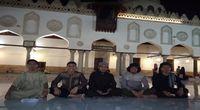 Tarawih di Masjid Al Azhar bertemu teman-teman Indonesia.